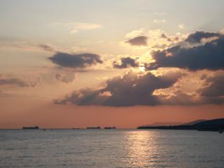 обои Закат на черном море фото