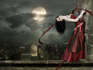 обои Полная луна и девушка в платье фото