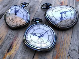 обои Изогнутые часы фото