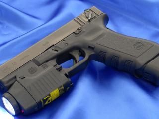 обои Glock 18c  пистолет,   фонарь фото