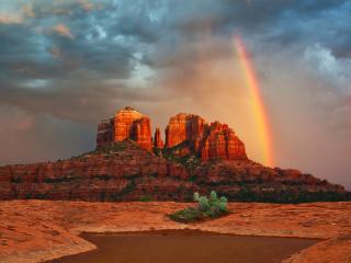 обои Американские прерии,   скала на фоне радуги фото