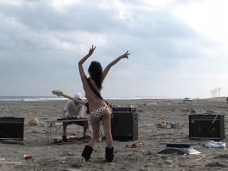 обои На пляже после вечеринки фото