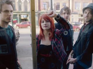 обои Band музыканты у окна фото