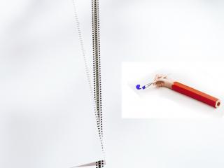 обои Чистые листы бумаги и рука-карандаш фото
