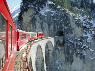 обои Поезд на мосту в горах тунель фото