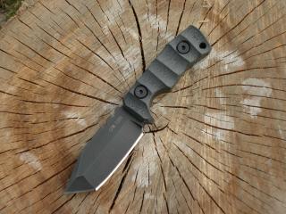 обои Короткий нож на пне фото