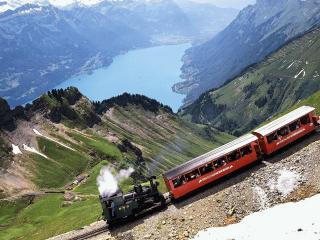 обои Пассажирский поезд фото
