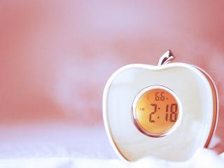 обои Электронный будильник яблочко фото