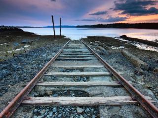обои Железная дорога в море фото