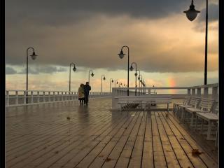 обои Прогулка у моря фото