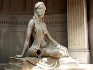 обои Статуя девушки с кувшином фото