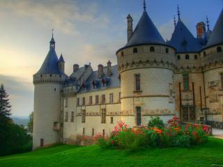 обои Замок с голубой крышей фото