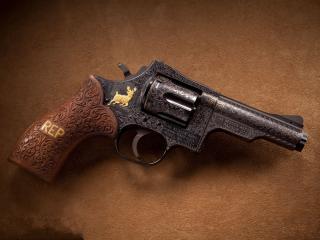 обои Револьвер Dan wesson фото