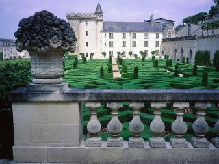 обои Замок с синей крышей фото