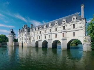 обои Замок,   вода и небо фото