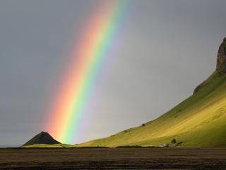 обои Красивая радуга у горного склона фото