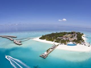 обои Небольшой тропический островок фото