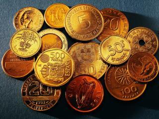 обои Деньги ,   монеты разного  номинала фото