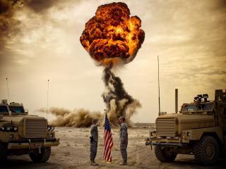 обои Встреча солдат и взрыв фото