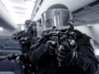 обои Спецназовцы в самолете фото