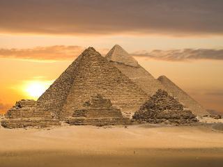обои Египетские пирамиды на закате дня фото