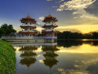 обои Китайские пагоды у озера фото