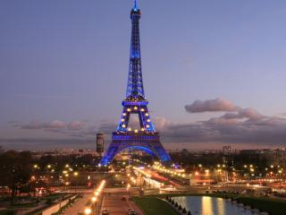 обои Эйфелева башня в иллюминации фото
