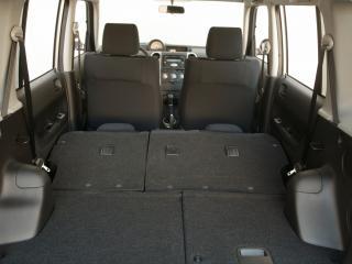 обои для рабочего стола: Scion xB 2004 багажник