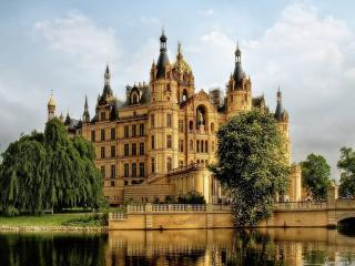 обои Германский  замок у воды фото