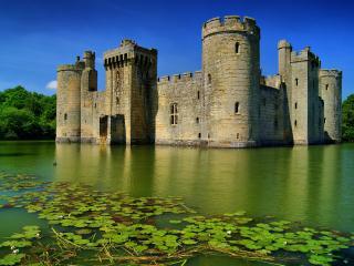 обои Замок бодиам в Англии на озере фото