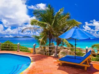 обои Природа моря пальмы у бассейна фото