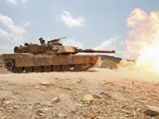 обои для рабочего стола: Выстрел  танка  Abrams и пламя