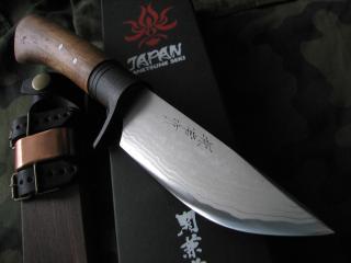 обои Нож с рукаяткой из дерева фото