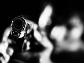 обои Пистолета дуло в руках человека фото