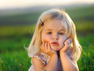 обои Девочка маленькое обояние фото