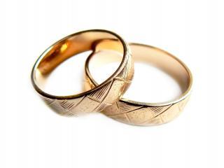 обои Два обручальных кольца фото
