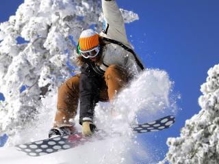 обои Сноубордистка в прыжке фото