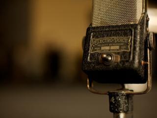 обои Раритетный микрофон с выключателем фото