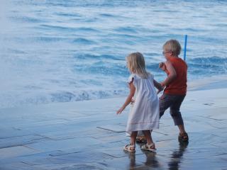 обои Дети у моря фото