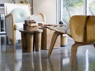 обои Интерьер кабинета с креслами и столиком фото
