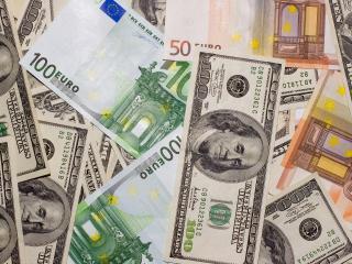 обои Деньги доллары и евро фото