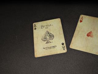 обои Два карточных туза фото