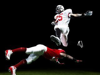 обои Прыжок в американском футболе фото