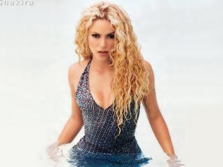 обои Шакира в воде фото