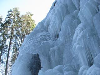 обои Глыба ледяного водопада фото