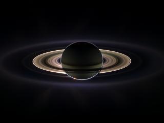 обои Сатурн со своими кольцами фото