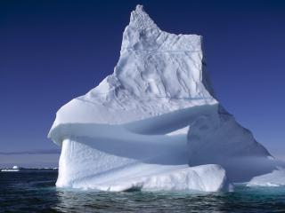 обои Айсберг дрейфует водами фото