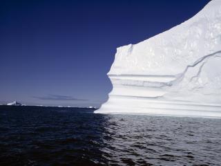 обои Айсберг на воде фото
