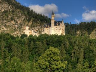 обои Велеколепный дворец в горной местности фото