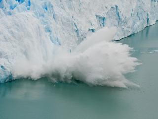 обои Обвал айсберга фото